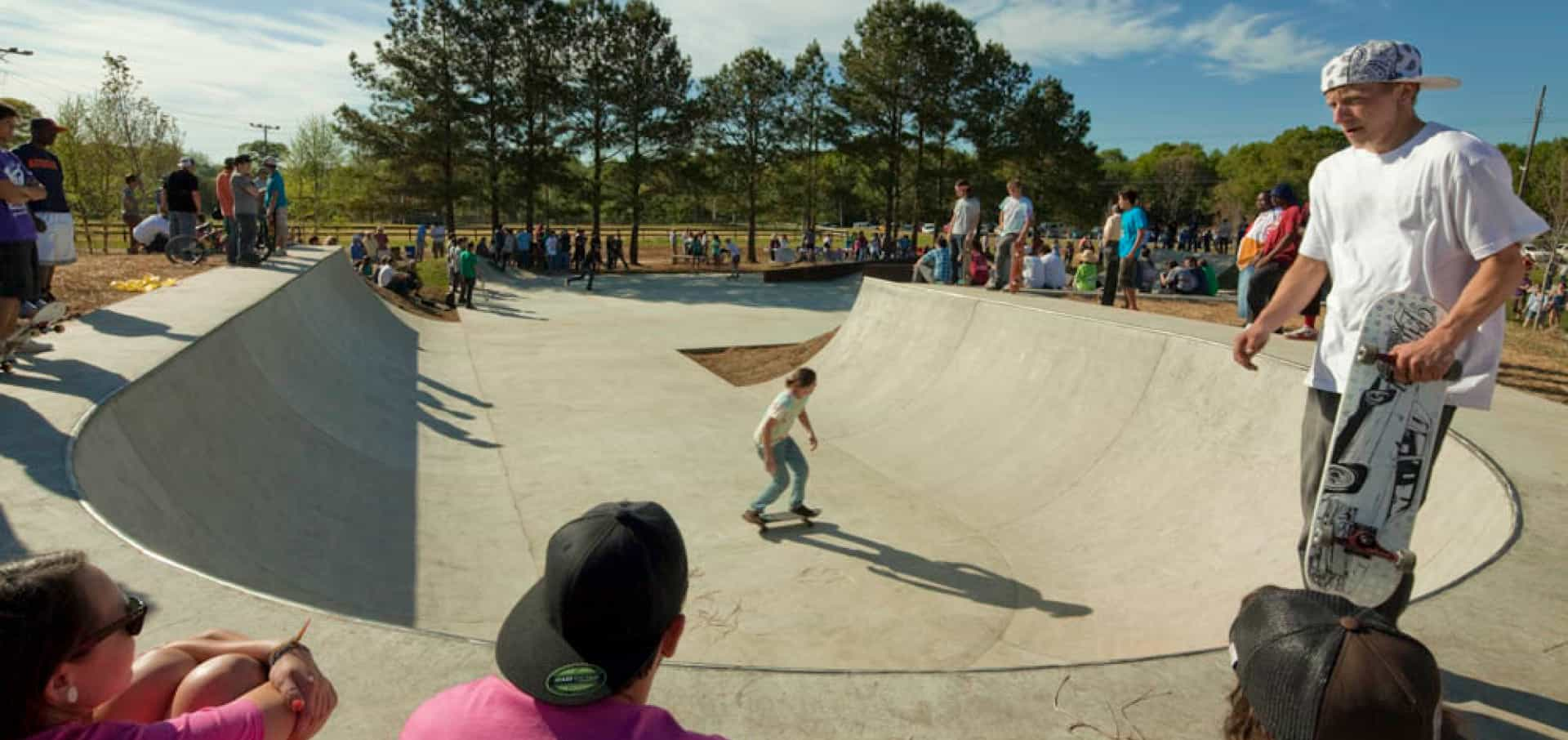 Fullwidth image of skaters at the park