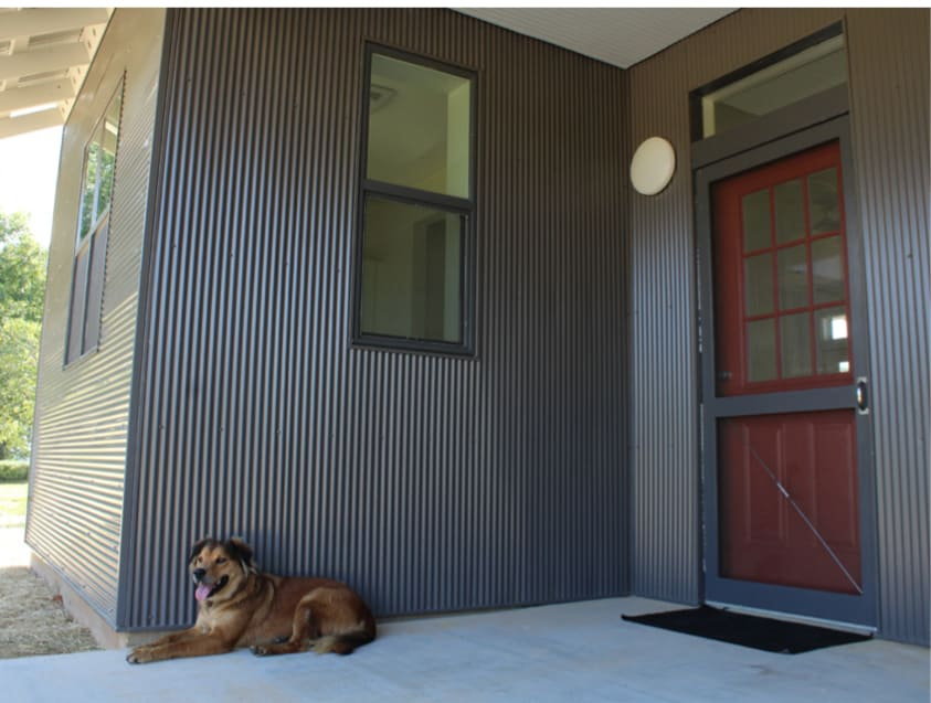 20K Buster's Home porch with dog