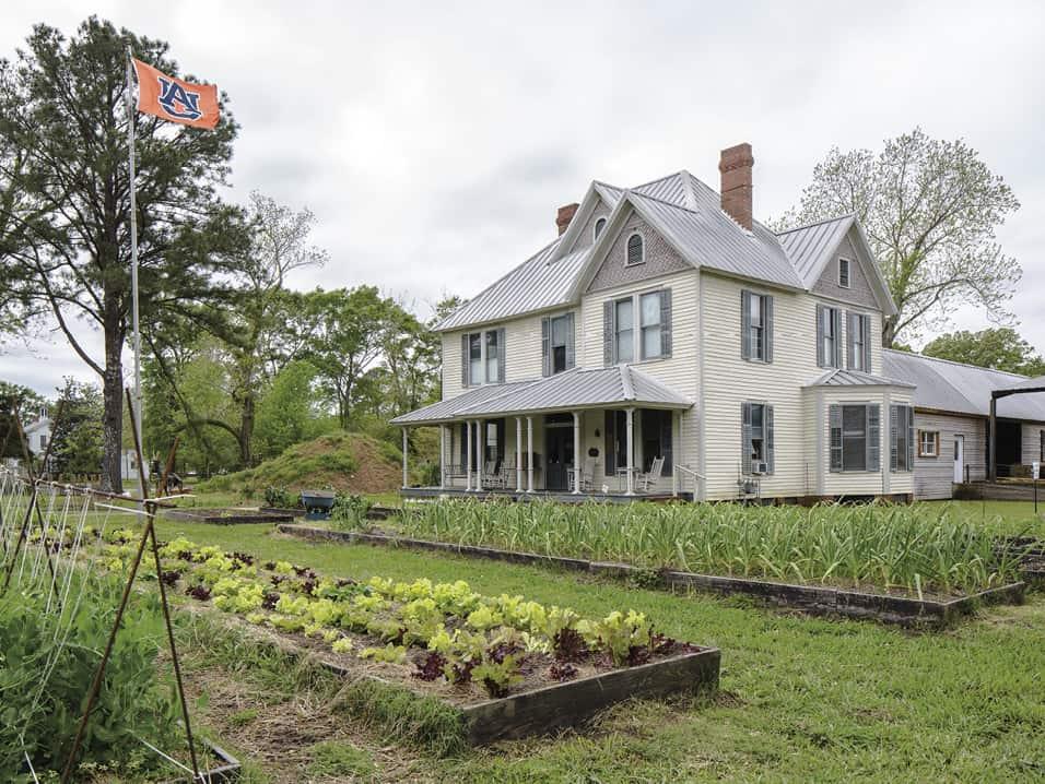Morrissette House and garden