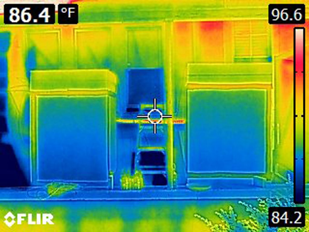 Thermal image of the test chimneys in the carport