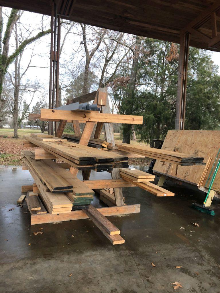triangular structured wood rack