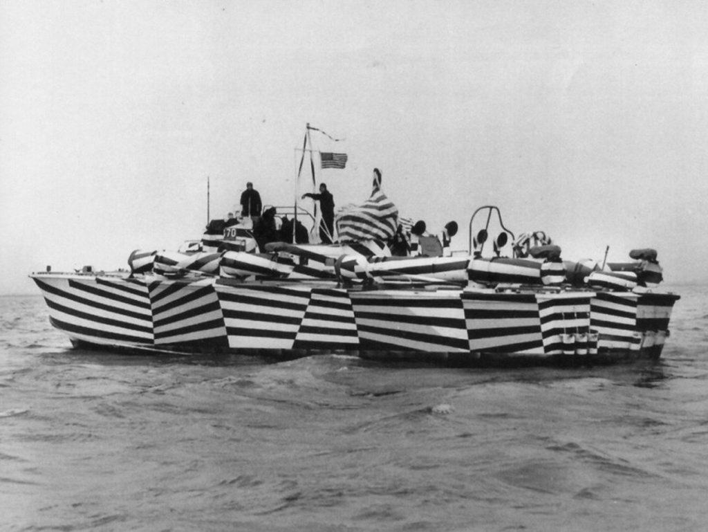 WW1 warship using the dazzle camoflauge technique